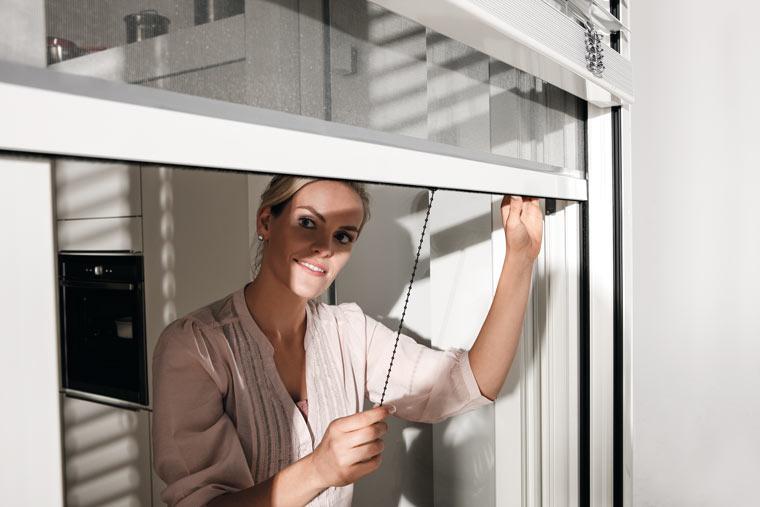 Insektenrollo für Fenster